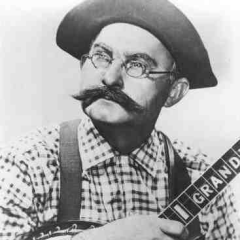Grandpa Jones And His Grandchildren - Old Rattler's Treed Again